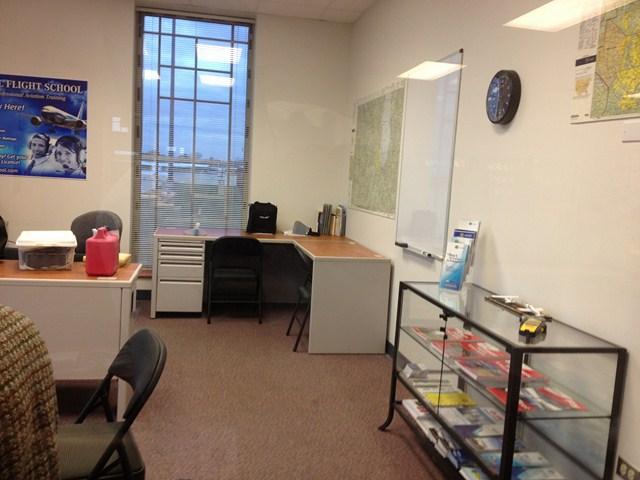 Avel Flight School Office-1